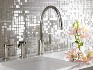 original_stainless-backsplashes-mosaic-sink_s4x3_lg